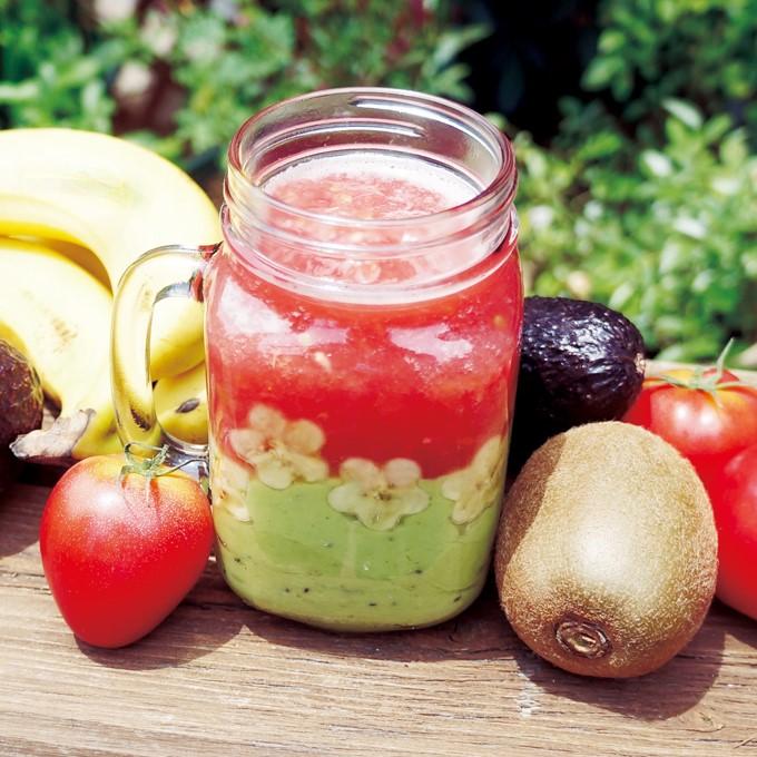【美ごはん】生の食材をまるごと 2色のトロピカルスムージー
