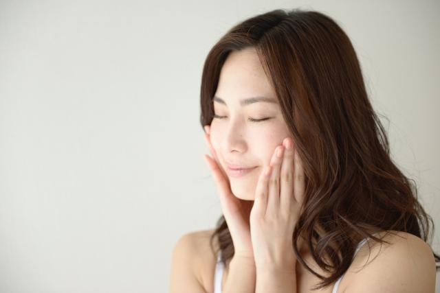 肌のかさつき・痒み・赤み、その原因は化粧品にあり?